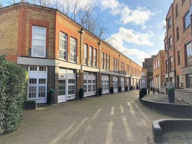 Unit 4b Blake Mews, Kew - Self Contained Office to Let close to Kew Gardens Station.
