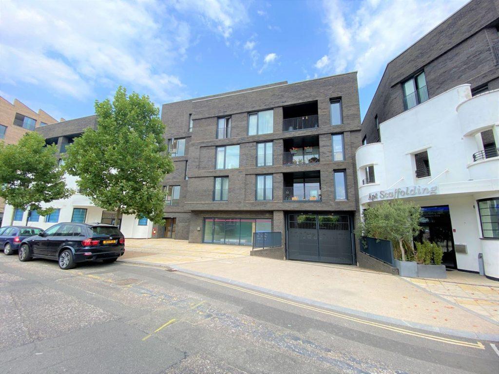 Brentford Lock West - Unit 2 - Carrick Square - Brentford