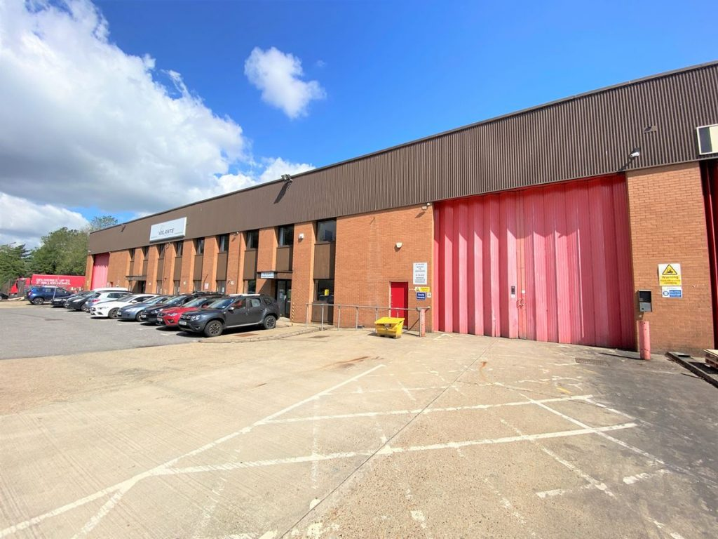 Fairfield Trade Park - Industrial to let in Kingston