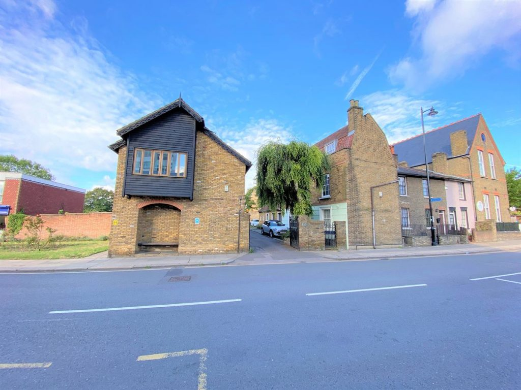 Half Acre House & Mews, Brentford - Offices