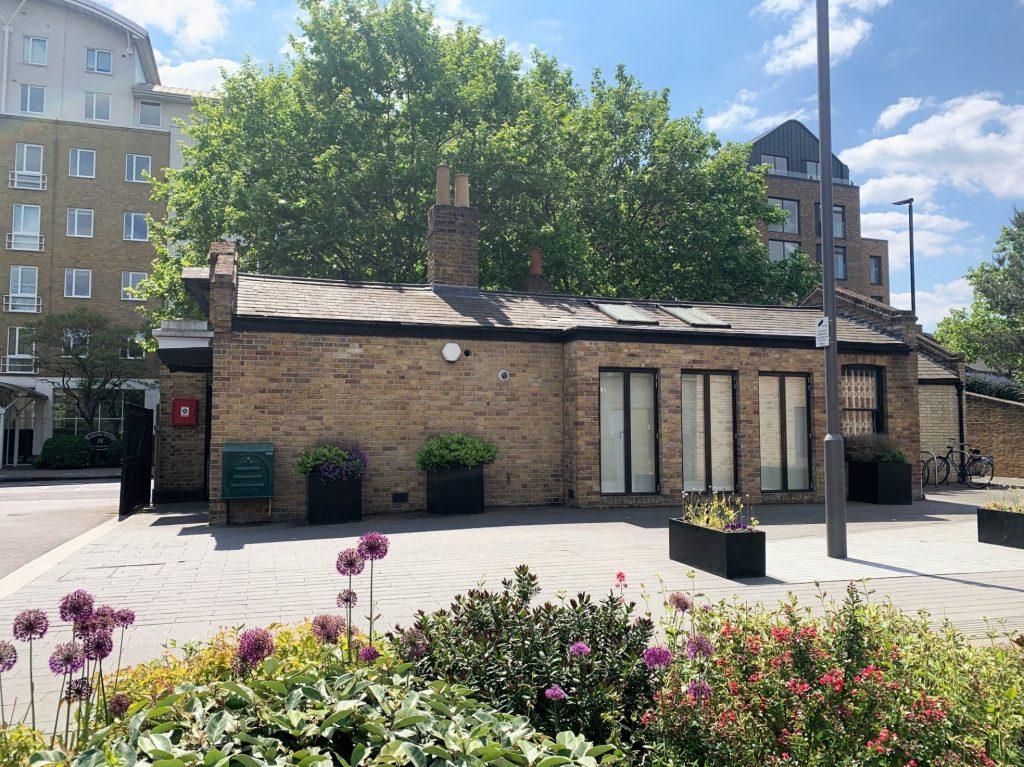 The Gatehouse, Heritage Walk, Brentford - Offices
