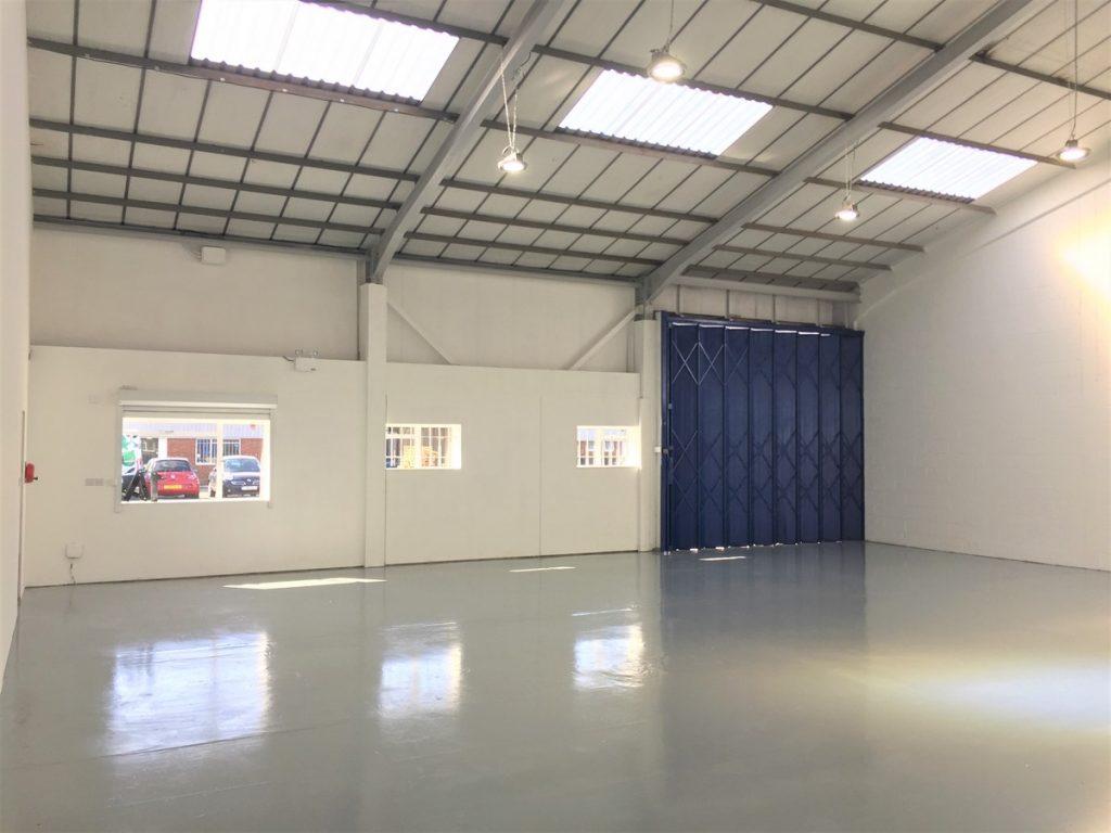 Unit 14 Ashford Industrial Estate - Warehouse near Heathrow to rent