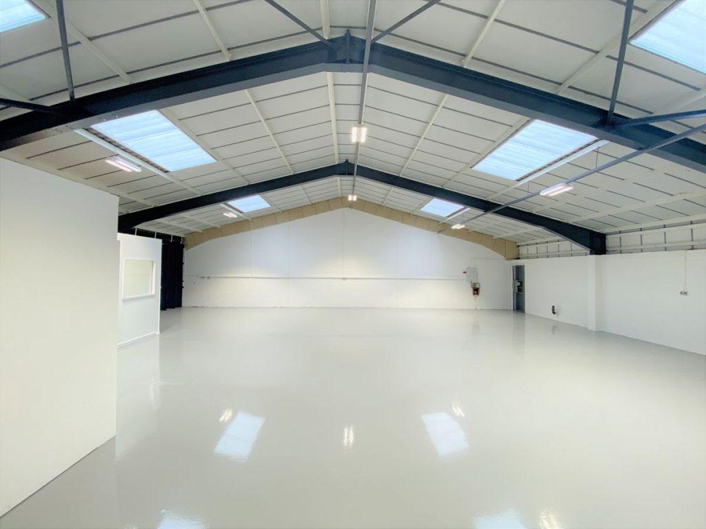 Unit 9 Ashford Industrial Estate - Warehouse to rent near Heathrow