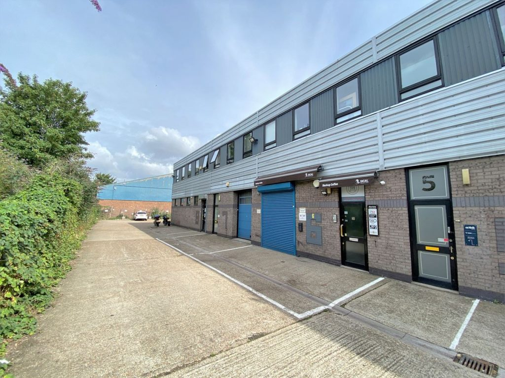 Unit 7 Brentford Business Centre - Office to let