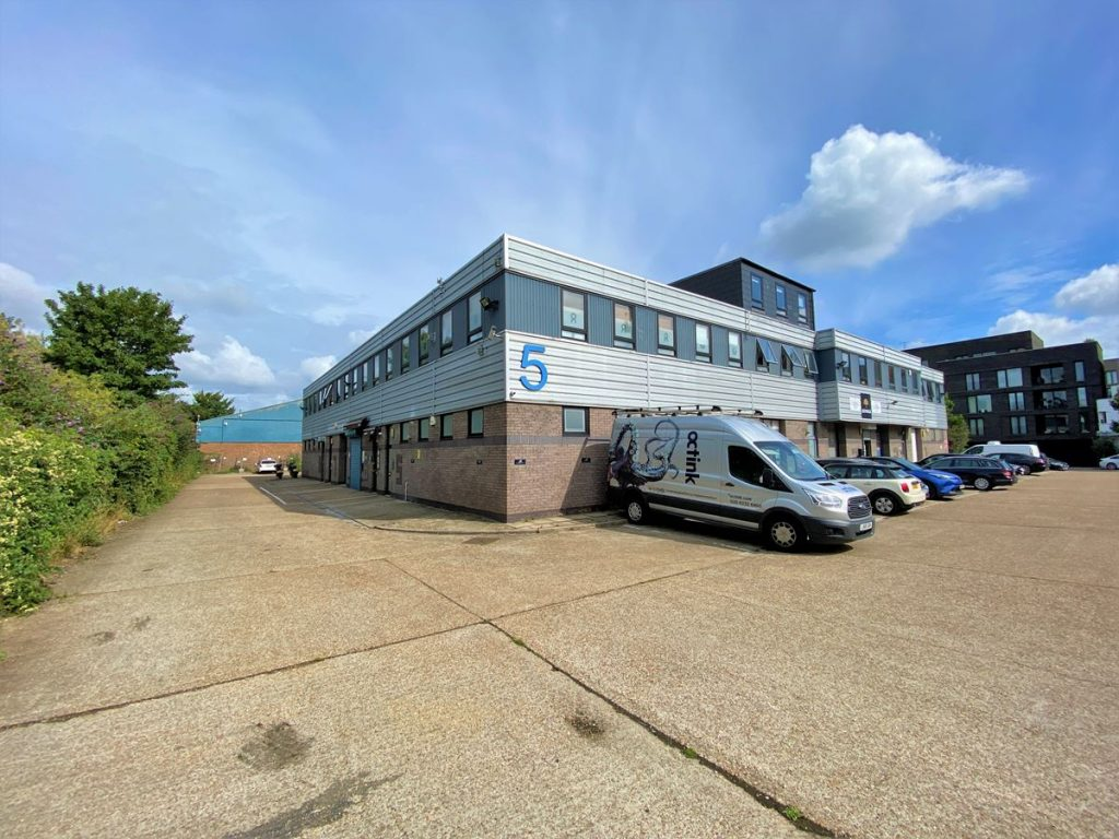 Unit 7 Brentford Business Centre - First Floor Office to let
