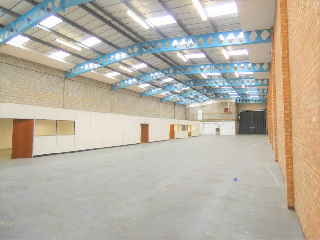 Unit 8 Great West Trading Estate - Warehouse to let in West London