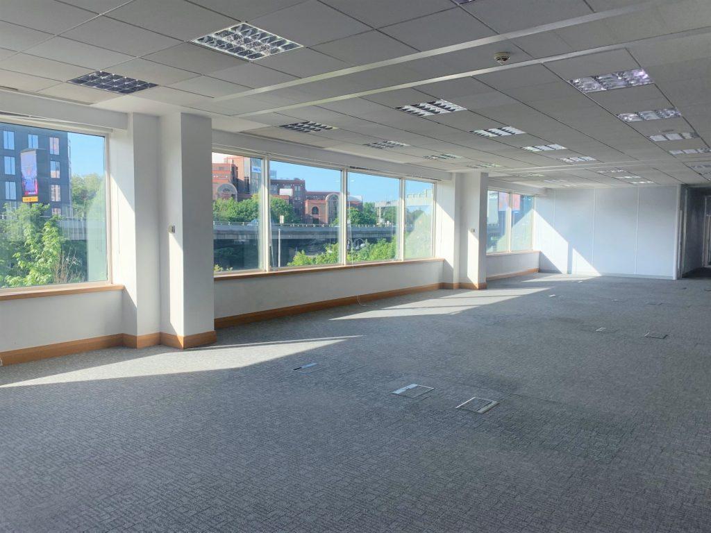 2nd Floor, 27 Great West Road, Brentford (1)