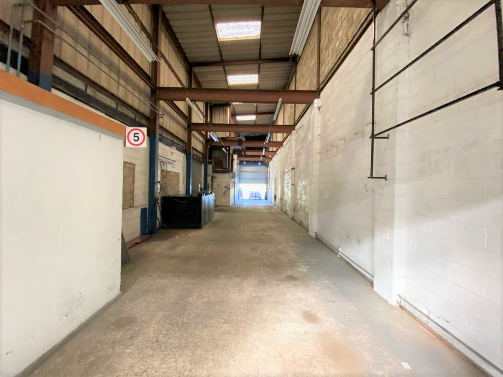 Vitesse House - Ashford, Middlesex - Industrial Warehouse to let